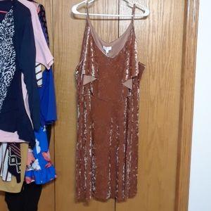 💙Lauren Conrad Velvet Midi dress